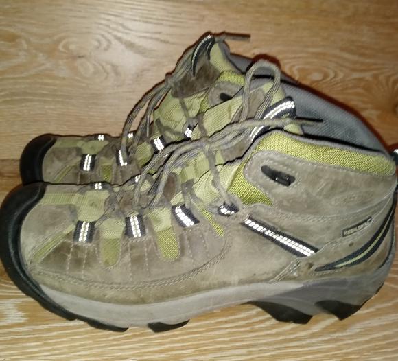 Keen Targhee 2 waterproof hiker